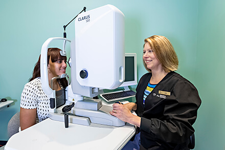 Woman receiving Floater scan